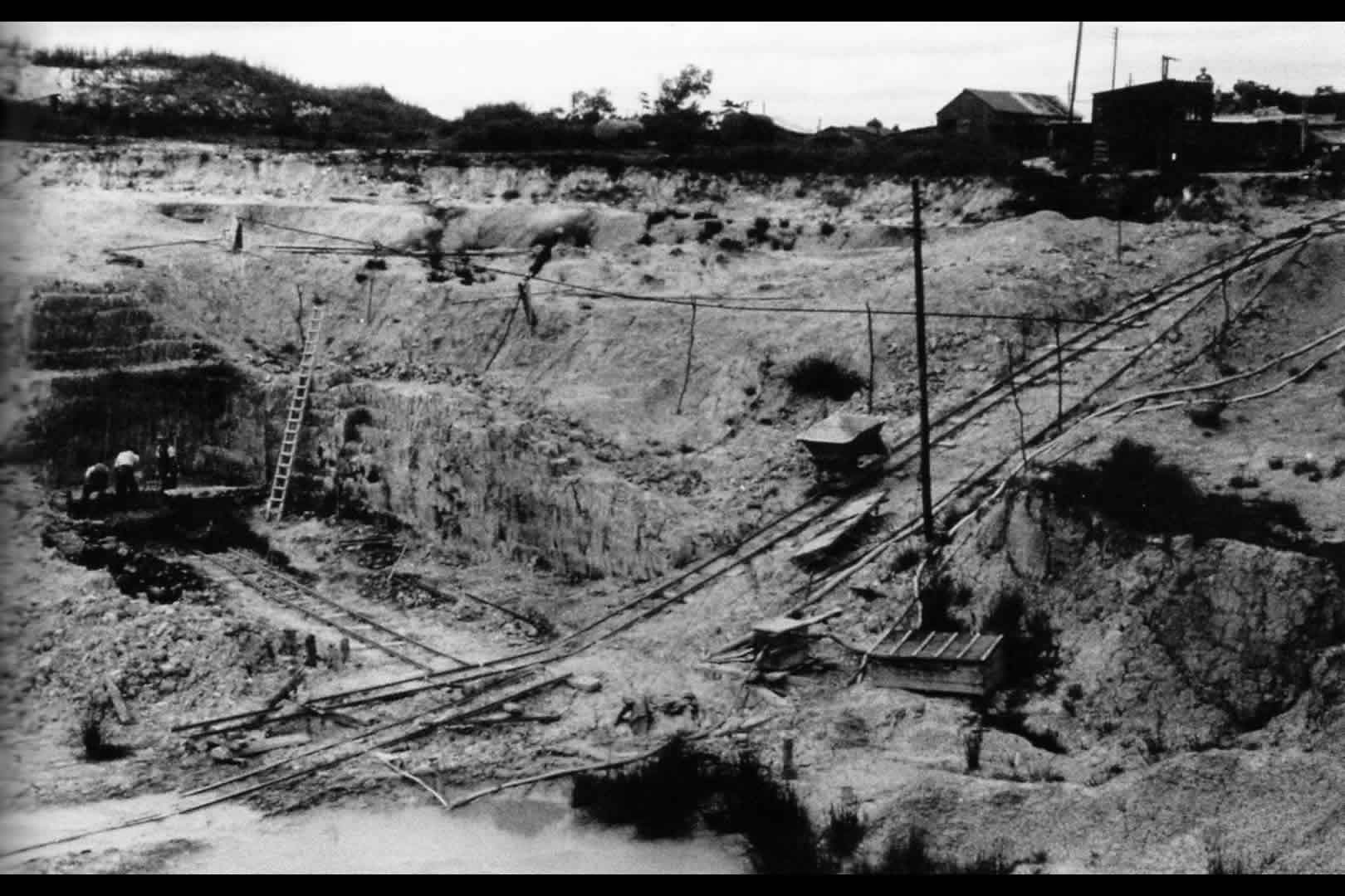 Norden open cast clay pit 1952
