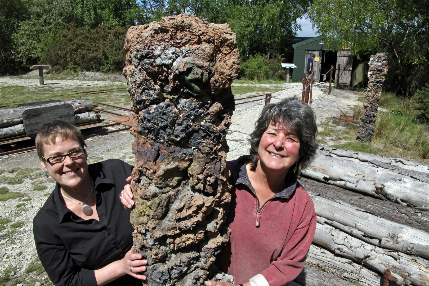 Purbeck Mineral & Mining Museum Norden - Alison Lochhead (R) & Clare Randall.